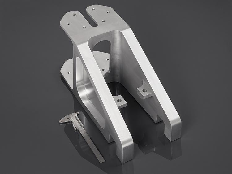 Irmscher Factory Produkte 5 Achs Frästeil Aluminium 5.1